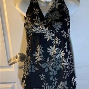 New York Company Women's Top floral sizesM